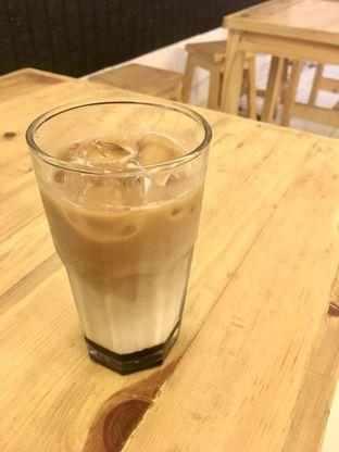Foto review Legend Cafe & Resto oleh Prido ZH 10