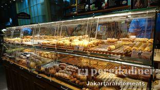 Foto 4 - Interior di Tous Les Jours oleh Jakartarandomeats