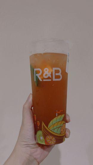 Foto 1 - Makanan di R&B Tea oleh Duolaparr