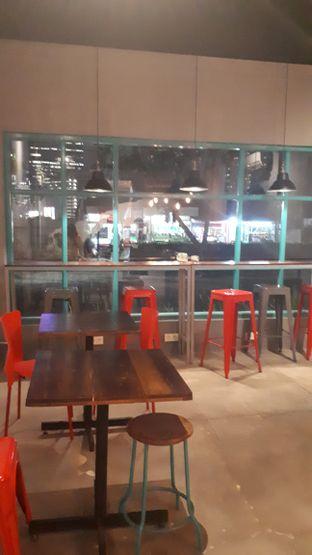Foto 5 - Interior di Meanwhile Coffee oleh @semangkukbakso