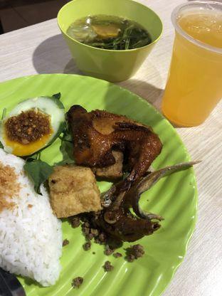 Foto - Makanan di Tip Top Spesial Nasi Timbel oleh @yoliechan_lie