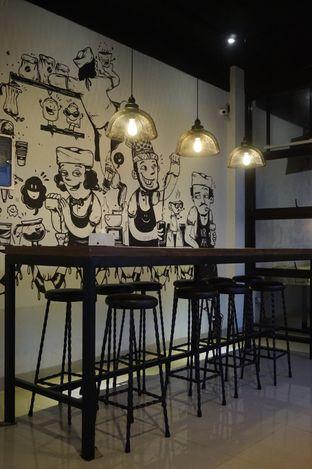 Foto 6 - Interior di KRAH Coffee & Cuisine oleh yudistira ishak abrar