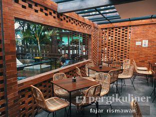 Foto 3 - Interior di Chapter One Coffee & Roastery oleh Fajar | @tuanngopi