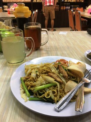 Foto 15 - Makanan di Lapan Duobelas Palembang Resto oleh Prido ZH
