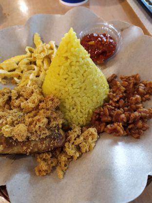 Foto - Makanan di Nasi Kuning Plus - Plus oleh Anne Yonathan