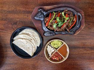 Foto 8 - Makanan di Amigos Bar & Cantina oleh FebTasty  (Feb & Mora)