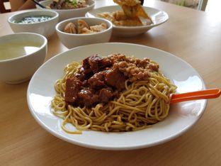 Foto 1 - Makanan di Bakmie Aloi oleh D L