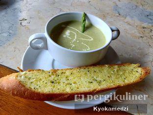 Foto 3 - Makanan(Spring Asparagus Cream Soup) di Waroeng Ethnic oleh Keegan Bryan