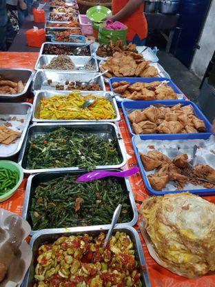 Foto 1 - Makanan di Nasi Uduk Bu Sum oleh Lieni San / IG: nomsdiary28