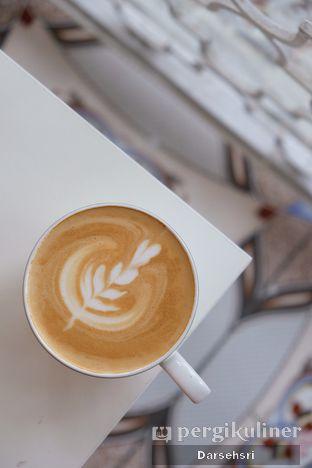 Foto review Second Home Coffee & Eatery oleh Darsehsri Handayani 4