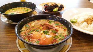 Foto 2 - Makanan(Soto Bulat & Soto Oseng) di Soto Sedari oleh Novita Purnamasari