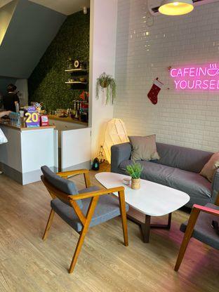 Foto 3 - Interior di Ilo Coffee oleh Levina JV (IG : @levina_eat & @levinajv)