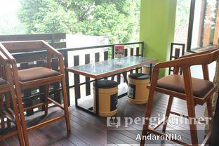 Foto 9 - Interior di Bittersweet Bistro oleh AndaraNila