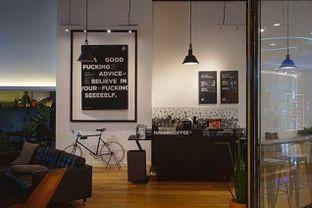 Foto 7 - Interior di Makna Coffee oleh yudistira ishak abrar
