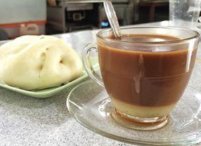 Serunya Berburu 6 Minuman Teh dan Kopi Tarik di Jakarta untuk Buka Puasa