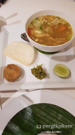 Foto 2 - Makanan(Soto Ayam komplit) di Palalada oleh UrsAndNic