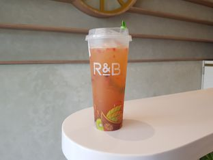 Foto review R&B Tea oleh D L 1