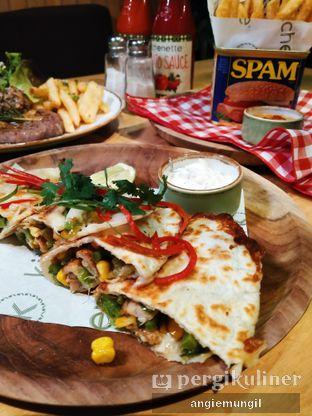 Foto 4 - Makanan di Kitchenette oleh Angie  Katarina
