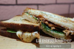 Foto 4 - Makanan(Grilled Chicken BBQ) di Qubico Coffee oleh Desy Apriya