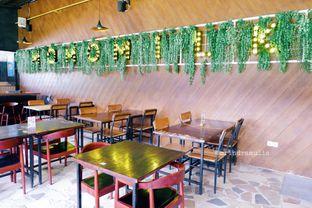 Foto 7 - Interior di Momo Milk Barn oleh Indra Mulia