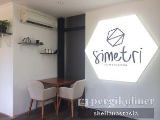 Foto 7 - Interior di Simetri Coffee Roasters oleh Shella Anastasia