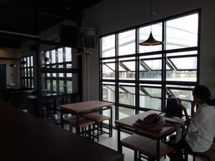 Foto 2 - Interior di KRAH Coffee & Cuisine oleh Kuli Jajan