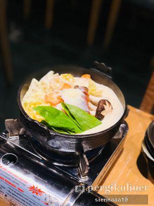 Foto 2 - Makanan(Salmon Milk Miso Hot Pot) di Hokkaido Izakaya oleh Sienna Paramitha