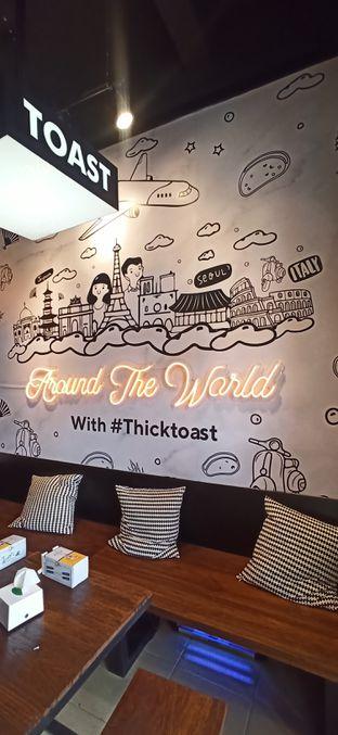 Foto 2 - Interior di Thick Toast oleh Arianti Sungoro
