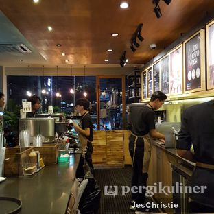 Foto 3 - Interior di Maxx Coffee oleh JC Wen