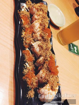 Foto 3 - Makanan(aburi salmon roll) di Sushi Tei oleh @supeririy