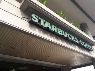 Foto 4 - Eksterior di Starbucks Coffee oleh Michael Wenadi