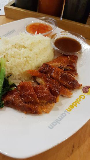 Foto 2 - Makanan(Nasi hainan bebek) di Golden Lamian oleh Yvonne Gracia