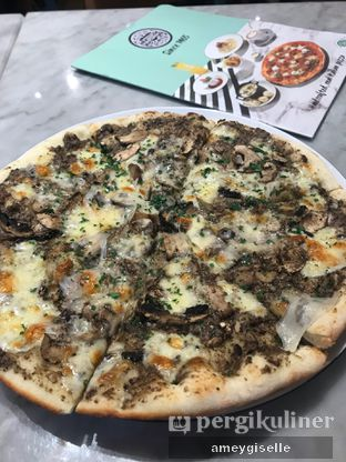 Foto 1 - Makanan di Pizza Marzano oleh Hungry Mommy