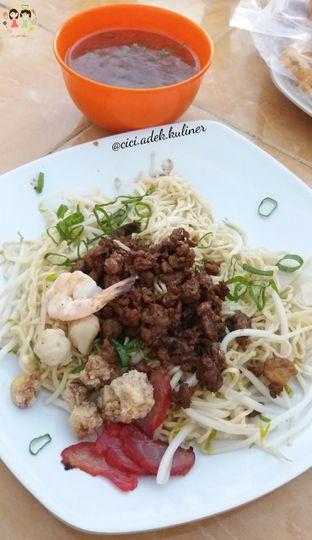 Foto 1 - Makanan(Bakmi pangsit kalimantan) di Rumah Makan 889 Chinese Food oleh Jenny (@cici.adek.kuliner)