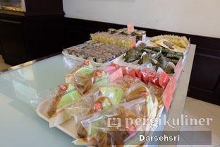 Foto 2 - Interior di Holland Bakery oleh Darsehsri Handayani