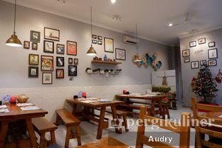 Foto 1 - Interior di Tulp oleh Audry Arifin @makanbarengodri