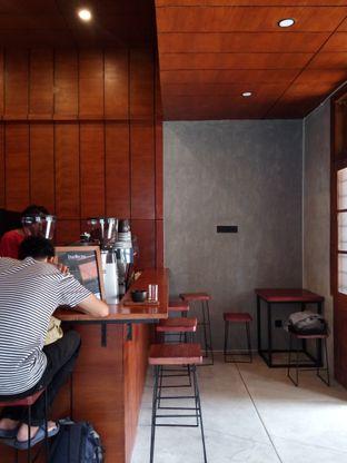 Foto 2 - Interior di Daily Routine Espresso Bar oleh Chris Chan