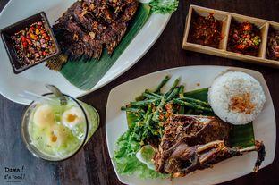 Foto - Makanan di Bebek Tepi Sawah oleh damnitsfood