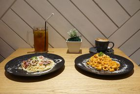 Foto Fika Public Eatery