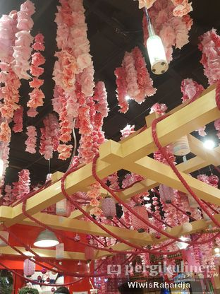 Foto 6 - Interior di Universal Noodle Ichiro Ramen Market oleh Wiwis Rahardja
