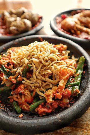 Foto 3 - Makanan di Warung Bu Kris oleh Couple Fun Trip & Culinary