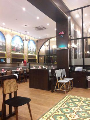 Foto 12 - Interior di Warung Leko oleh Michael Wenadi
