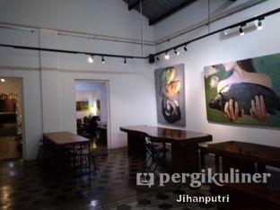 Foto 8 - Interior di Lumiere Bistro & Art Gallery oleh Jihan Rahayu Putri