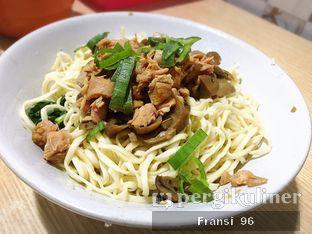 Foto 1 - Makanan di Santong Kuo Tieh & Sui Kiaw 68 oleh Fransiscus