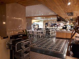 Foto 6 - Interior di Green House Kitchen Bistro - Garden Palace Hotel oleh Agatha Maylie