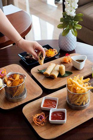 Foto 14 - Makanan di Lobby Lounge - Swiss Belhotel Serpong oleh Duolaparr