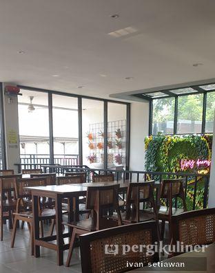 Foto 4 - Interior di Likely Cafe & Resto oleh Ivan Setiawan