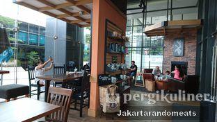 Foto 8 - Interior di Caribou Coffee oleh Jakartarandomeats