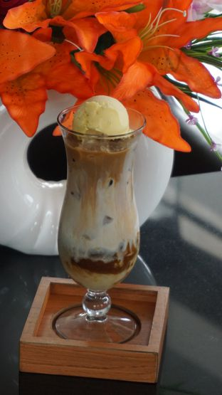 Foto review Pakons Caffee - Pakons Prime Hotel oleh Theodora  1