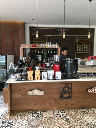Foto 6 - Interior di Kode-in Coffee & Eatery oleh Prido ZH